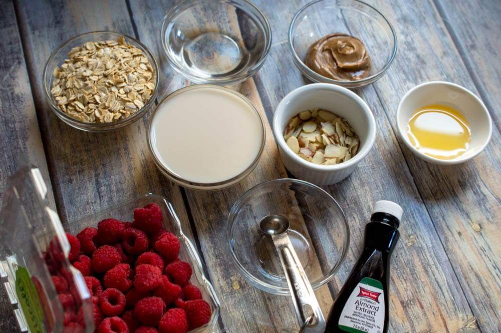 ingredients needed to make this homemade oatmeal